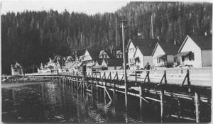 [Village of Bella Bella : houses at the waterfront]